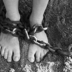 """מהו """"עבד יהודי""""? פרשת משפטים-חסידות למתקדמים"""