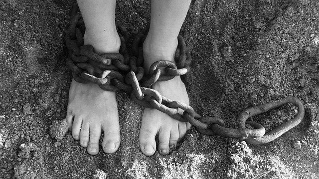 """כשזוכרים את ה""""אבא"""" לא נמכרים לעבדות!"""