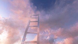 סולם נוגע בעננים
