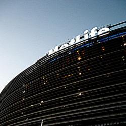 מהיכן קיבל  אצטדיון מטלייף את שמו