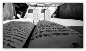 """ביקור באוהל חב""""ד – ציון קבר מקום קבורתו של הרבי מילובביטש"""